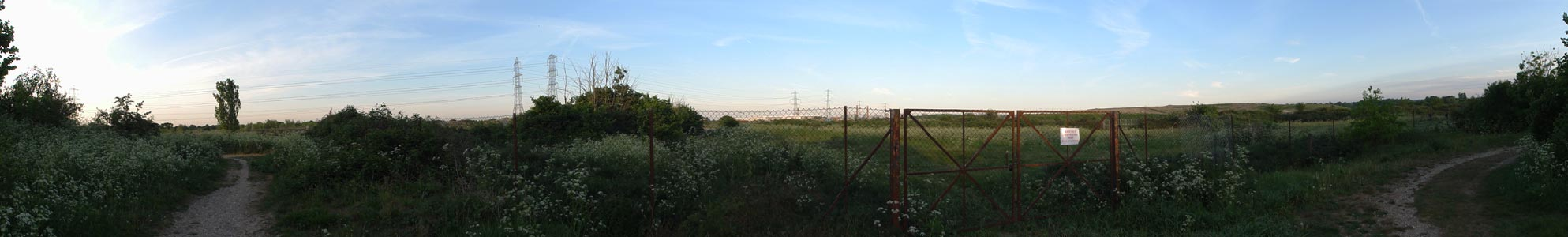 Panoramic view of Beddington approaching dusk