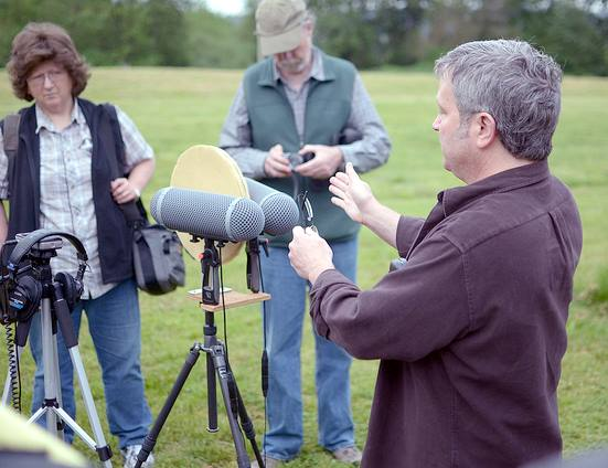 Mike Wall demonstrates his Jecklin Disc setup at the 2013 SEA Nature Sound Workshop