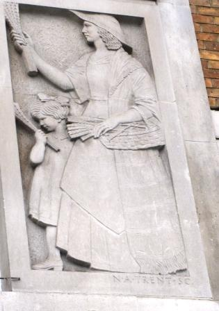 Lavender seller frieze in St James's Square, London