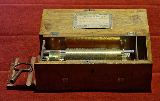 Nicole Freres musical box, Brentford Musical Museum
